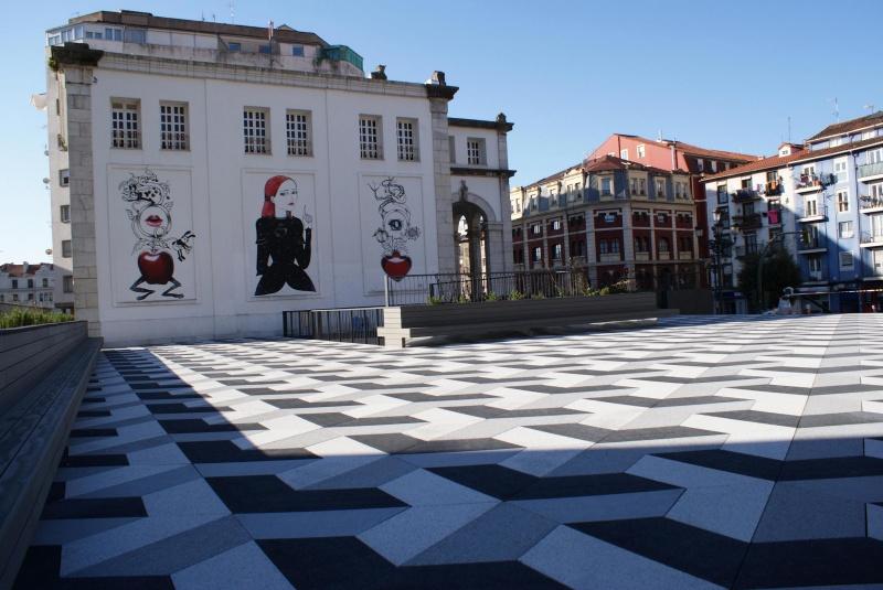 Plaza Mercado Puertochico En Santander